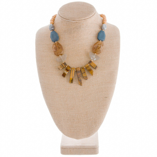 Wholesale gorgeous short beaded necklace cute natural stone details Approximate