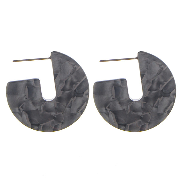 Wholesale short acetate earrings Approximate diameter