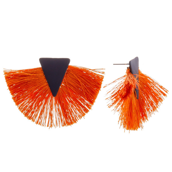 Wholesale short fanned tassel earrings triangle detail diameter