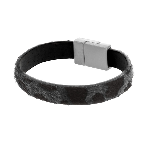 Wholesale magnetic animal print leather bracelet Approximate