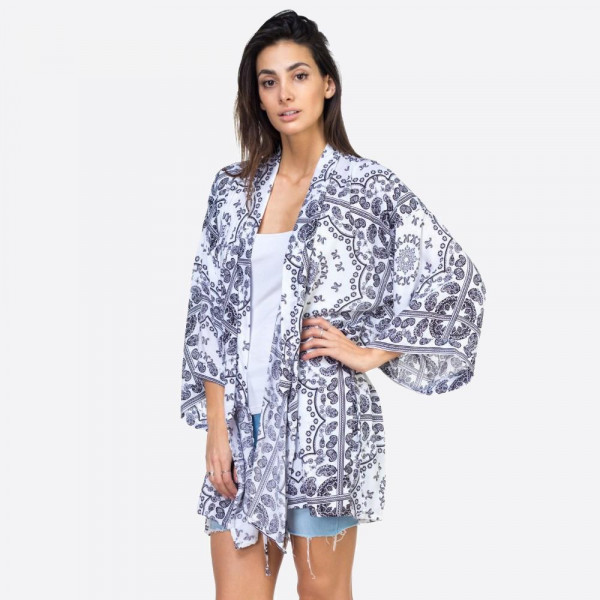 Wholesale white paisley geometric kimono One fits most Viscose