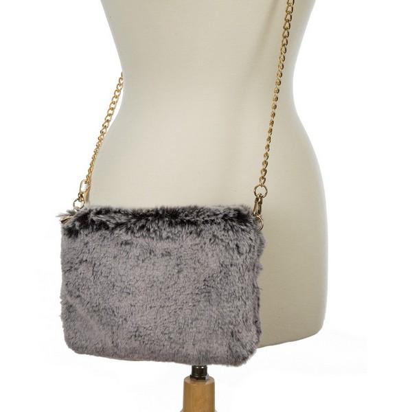 Wholesale faux fur clutch purse inside zipper pocket gold chain