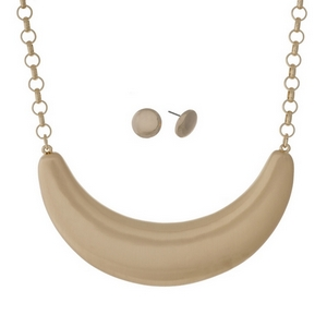 """Gold tone necklace set with a brushed half circle pendant. Approximately 16"""" in length."""