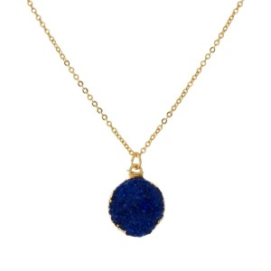 """Dainty, gold tone necklace with a circle shaped, faux druzy pendant. Approximately 16"""" in length."""