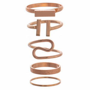 Gorgeous finger ring comes with 5 individual rings.