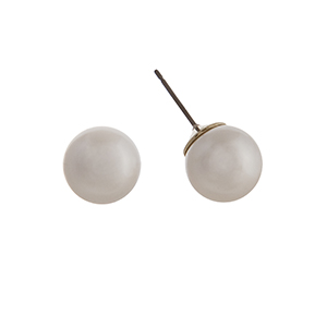 12mm cream pearl stud earrings.