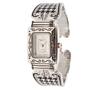 University of Alabama inspired collegiate fashion watch featuring silver tone finish.