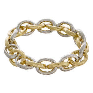 "Chunky chain link bracelet. Approximately 3.5"" in diameter. Fits up to a 7"" wrist."