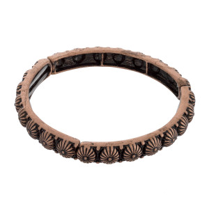 """Metal stretch bracelet. Approximate 2.5"""" in length."""