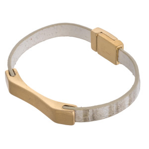 """Faux leather magnetic bracelet featuring a metal focal. Approximately 3"""" in diameter and .5"""" in width. Fits up to a 6"""" wrist."""