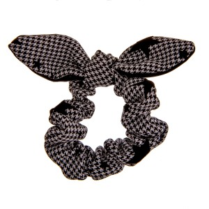 Houndstooth velvet star bow hair scrunchie.  - One size - 100% Polyester