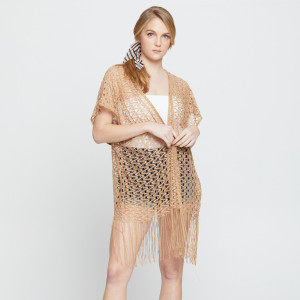 Weaved kimono with fringes. 100% polyester.