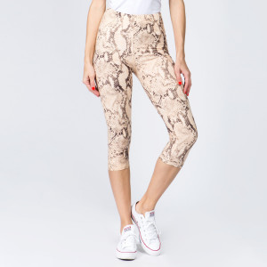 "These New Mix Brand peach skin leggings are seamless, chic, and a must-have for every wardrobe. These lightweight, length leggings have a 1"" waistband. They are versatile, perfect for layering, and available in many colors. 92% Polyester 8% Spandex. One size fits most, fits US women's 0-14."