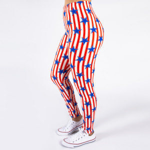 "Peach skin 4th of July full-length leggings featuring stars and stripes. Inseam approximately 26"".  - One size fits most 0-14  - Composition: 92% Polyester, 8% Spandex/Elasthanne"