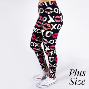 "PLUS SIZE peach skin love print full-length leggings featuring kissy lips and xoxo. Inseam approximately 26"".  - One size fits most 16-20  - Composition: 92% Polyester, 8% Spandex/Elasthanne"