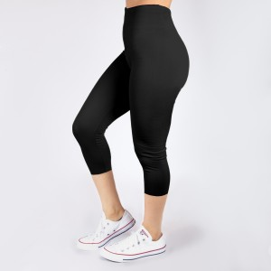 One size fits most, seamless black capris. Summer weight, Lycra spandex leggings.