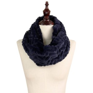 "Textured faux fur tube scarf. 100% polyester. Size: 15.5""W x 11.5""L"
