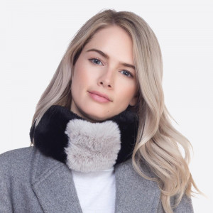 Faux fur collar scarf with a magnetic closure.   - 100% Polyester