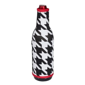 Insulated, neoprene, wine coozie with a houndstooth print. Perfect for monogramming and is machine washable.