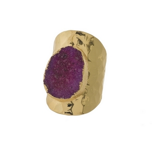 Hammered, gold tone adjustable ring with a fuchsia druzy stone focal. Handmade in the USA.